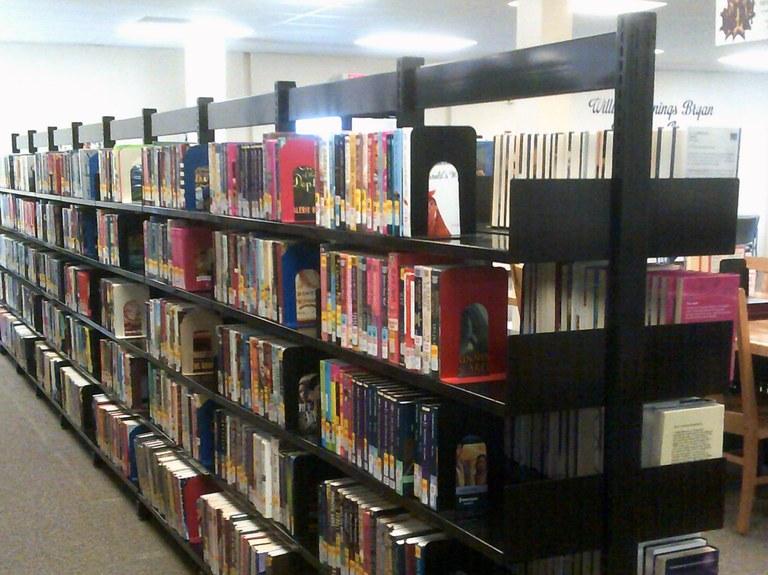 Hahn memorial shelves.JPG
