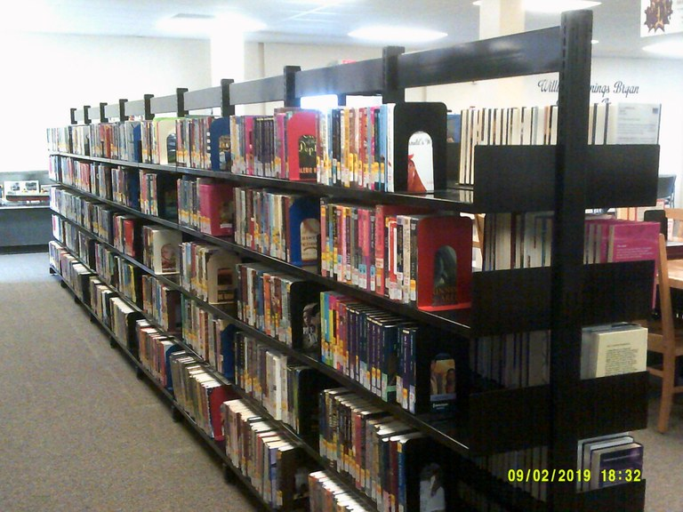 Hahn memorial shelves.JPG